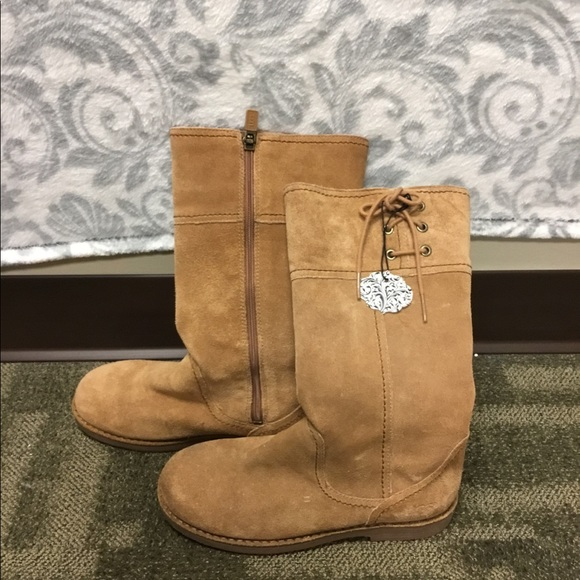 FINAL PRICE CLEARANCE UGGS girls size 3 boots